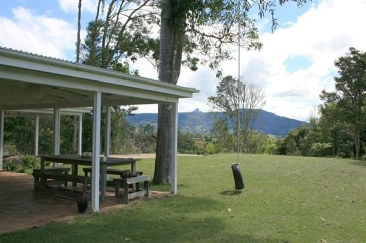 Mountain retreat, close to gallery - Murwillumbah - Casa