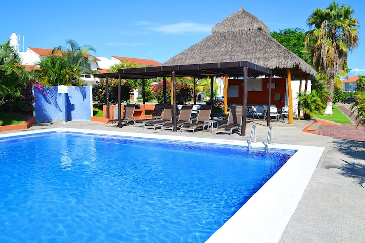 Lomas del Sol R&N Spectacular 2 BR house WITH POOL