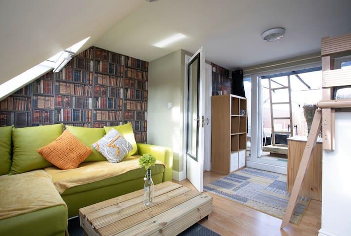 2Bed Roof Terrace place w/Jakuzzi & projector