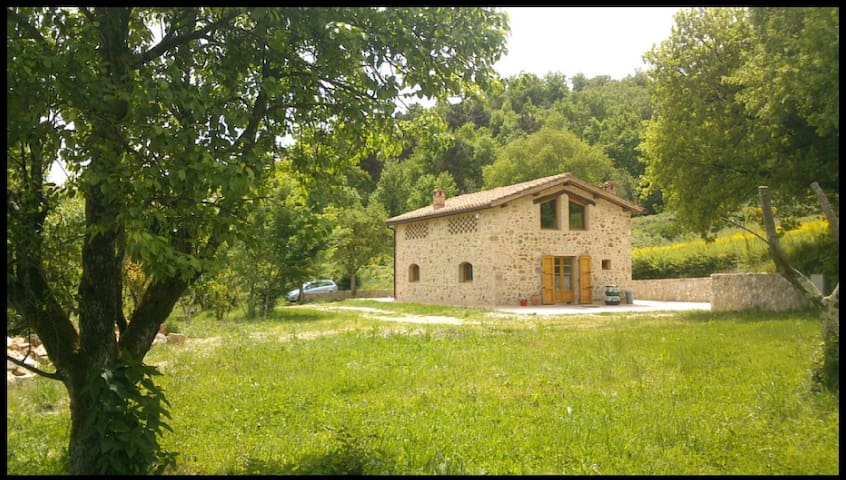 Elegant Zen Cottage at 10min Siena  - Rosia - Дом