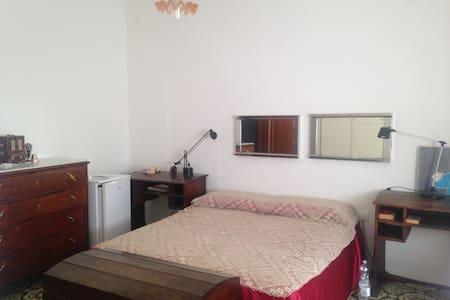 Accogliente stanza in centro - Cariati - 独立屋