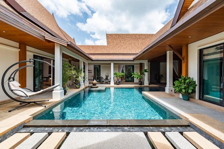 Champagne Pool Villa