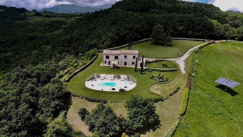 Casolare Abruzzese : natura e incanto