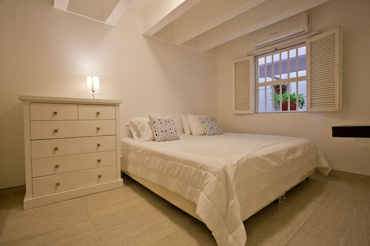 Great 2BR apartment in the old city