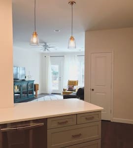 Darling Brand-New Remodeled Getaway - Crofton - Kondominium
