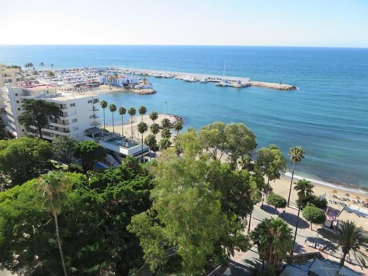 Skol 927A - beachfront central luxury penthouse
