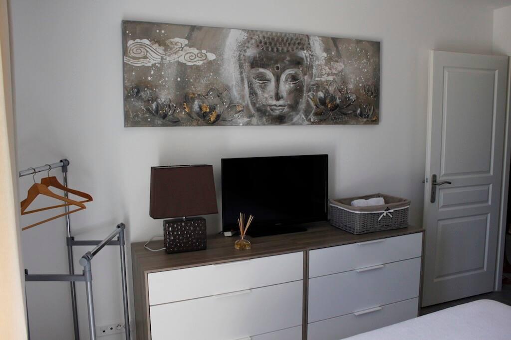 Chambre avec lit double - équipée TV