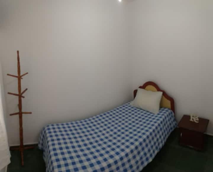 Quarto/banheiro individual na Chácara Sto Antônio