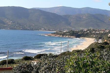 Villa 2 chambres, terrasse vue mer, proche  plages - Coggia