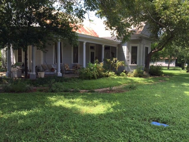 Historic Home - Bastrop