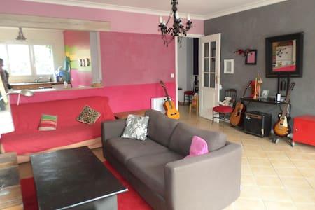 Une maison spacieuse et agréable - Maurepas