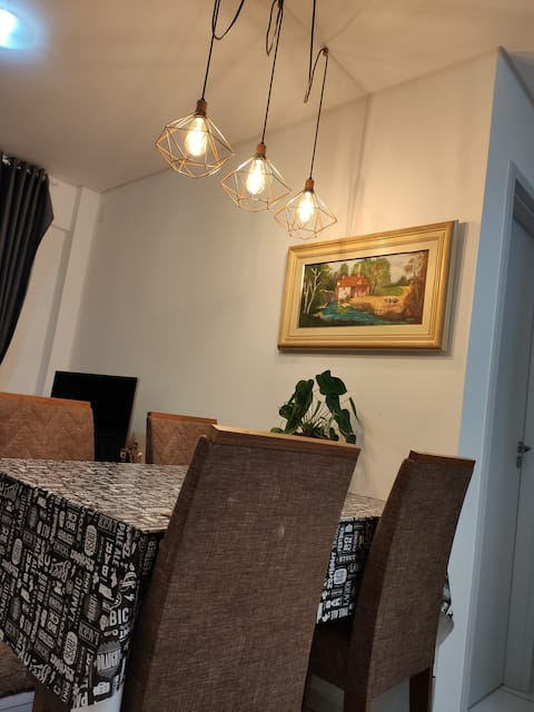 Quarto em apartamento no centro de Londrina