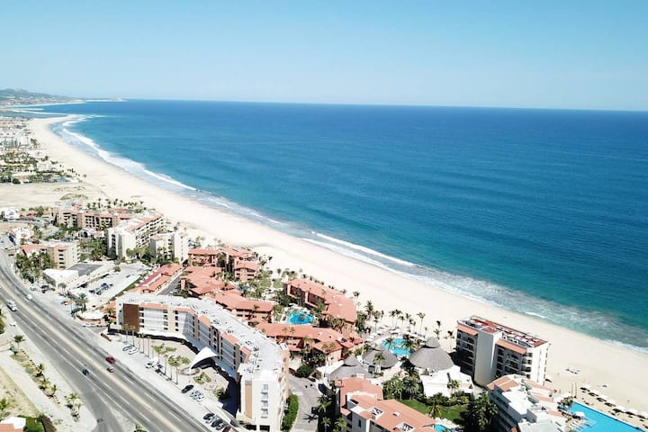 *Beachy Chic* Condo with Large Patio & Heated Pool