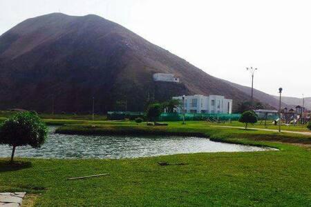 Casa de playa y campo en condominio club ecológico