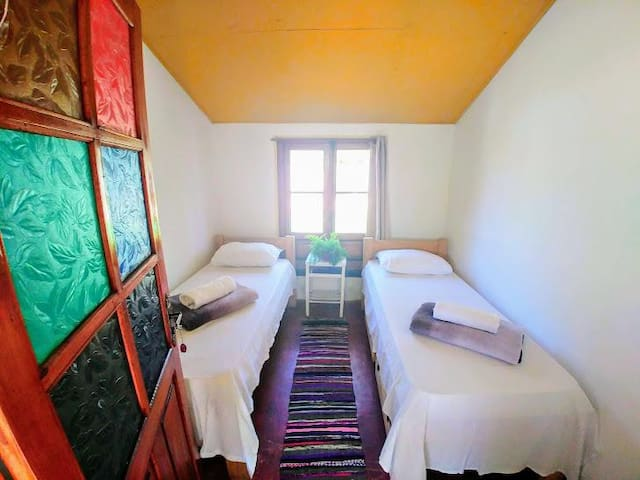 Luminosa y cómoda habitación en hostal de Valizas