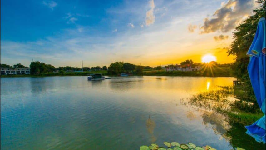 2 bedrooms on lake 22min to Disney! - Orlando - Outros