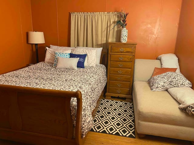Bedroom 3 has a queen size bed and a chaise lounge that's great for relaxing and reading a book or maybe napping!  It could even be used for extra sleeping space but we don't count it in total sleeping space because it might not be right for everyone