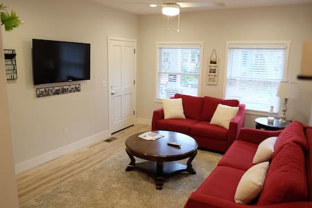 Brand New 2br 2ba in Downtown/Midtown by Golden1 - Sacramento - House - 2