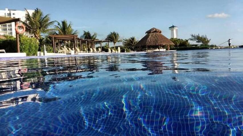 Hermoso departamento residencia en exclusiva zona - Cancun  - Apto. en complejo residencial