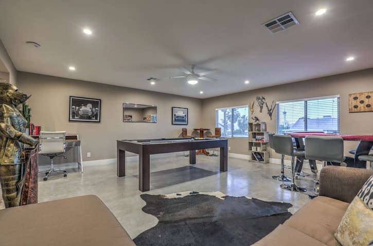1.8 Miles from the Strip! Private Pool, Game Room!