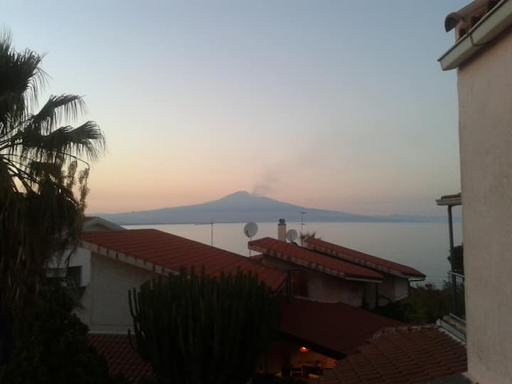 Amazing Etna View and sea side  (Domus Jane)