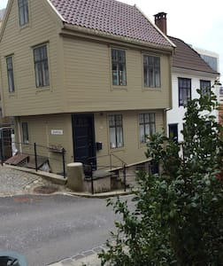 Unique and charming Bergen house - Bergen