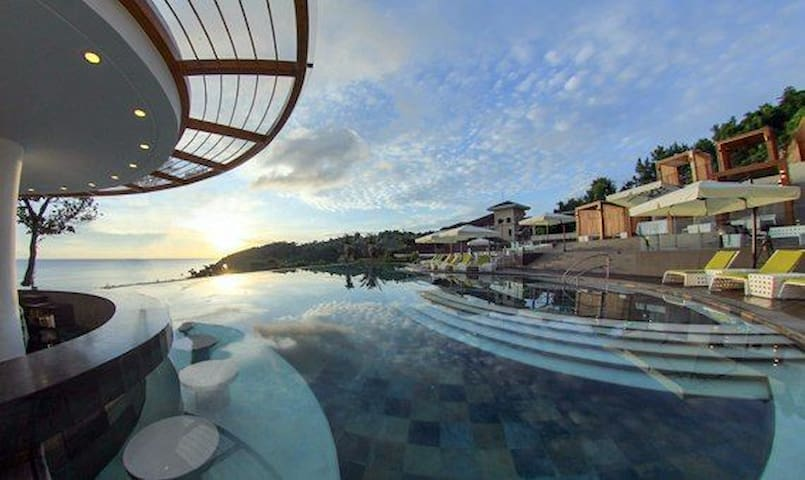 1BR Luxurious Boracay Villa with Private Beach