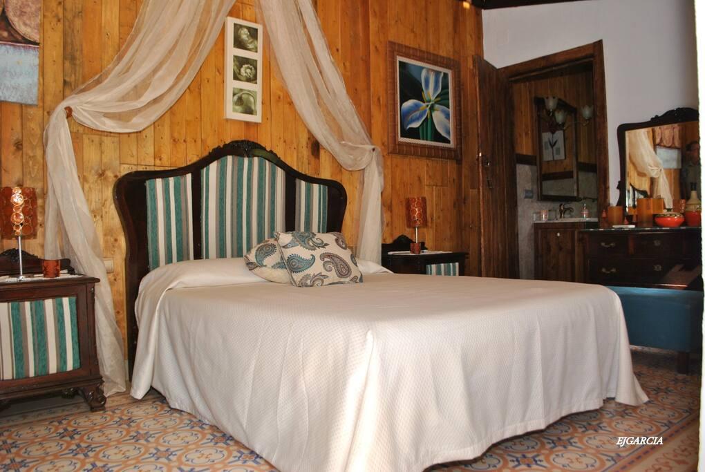 Habitaci n privada con jacuzzi ideal para parejas pe aflor andalousie espagne - Habitacion con jacuzzi zaragoza ...