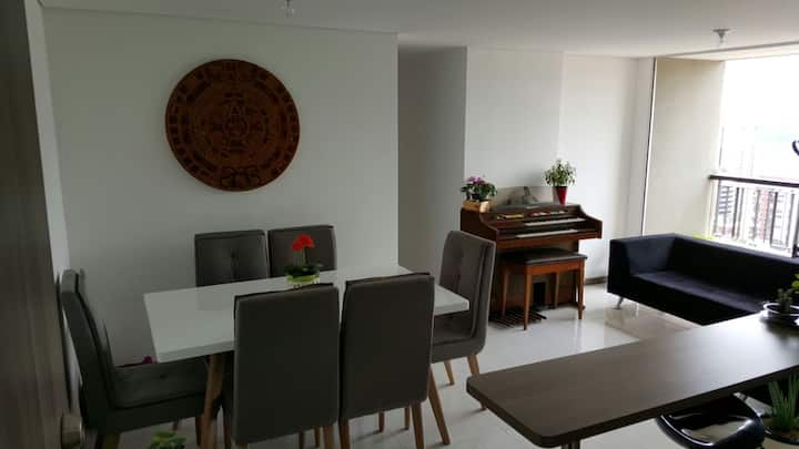 Habitación privada / apartamento tranquilo