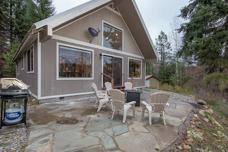 Modern Cabin 5 acre Woods Internet & Cell coverage