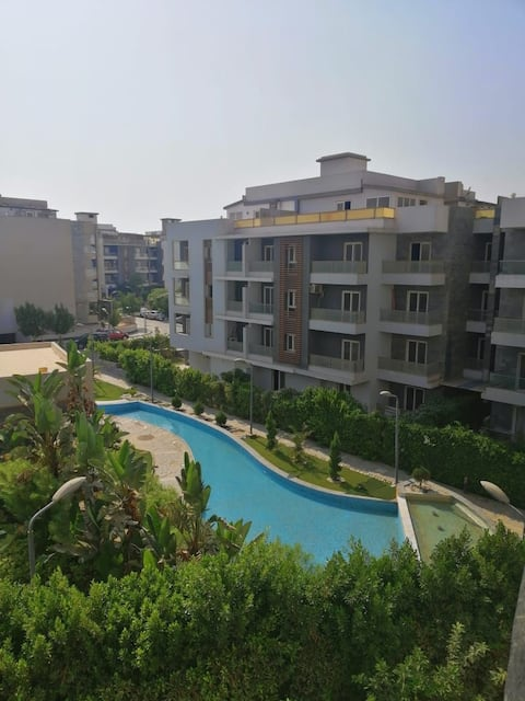 High deluxe home with jacouzi and pool at zayed
