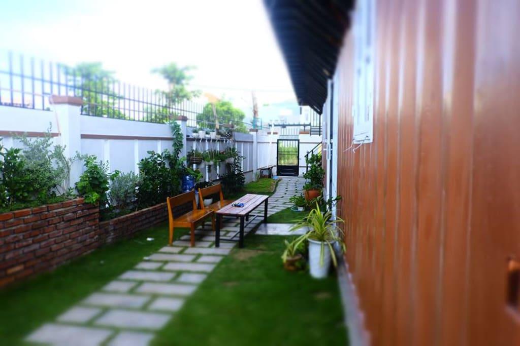 Container House Garden