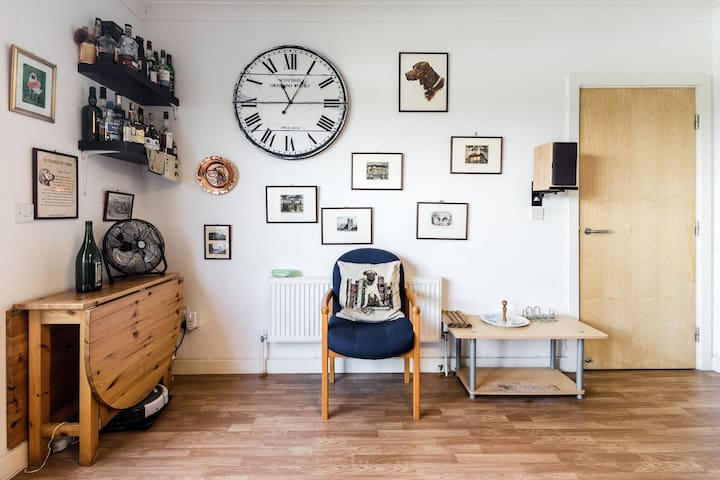 3 Bed Shoreditch Penthouse with Balcony