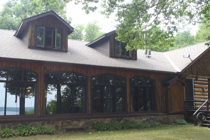 Clayton Cove Bed and Breakfast
