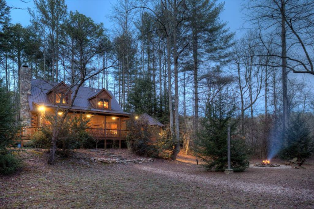 Two brook lodge no pets cabins for rent in east ellijay for Ellijay cabins for rent by owner