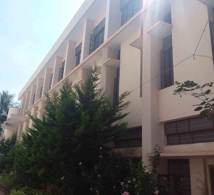 AC Rooms in Central Bangalore