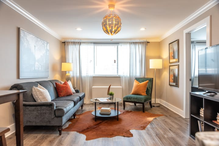 1008  ❤Central Downtown 2BD ❤