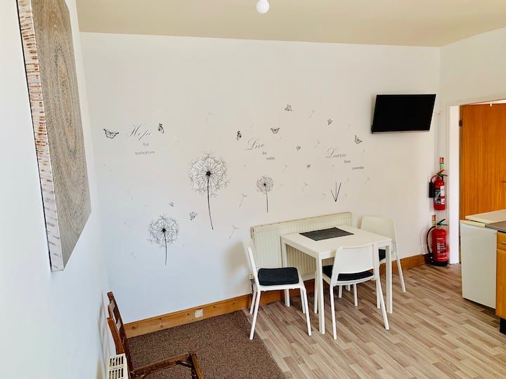 Private Room Near Hospital - Off Wigan Lane WN1