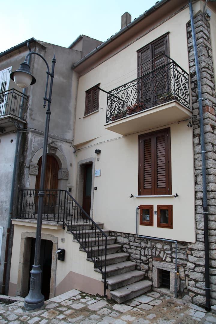 """""""La Casa dei Nonni"""", Sant'Andrea di Conza."""