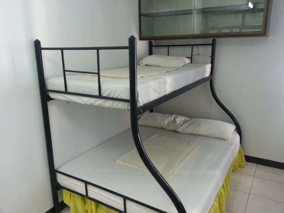 1 br with double deck bed