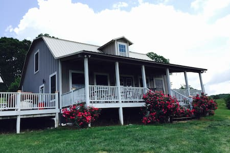 FARM★ Milkbarn sleeps 21 Knoxville Sevierville CNU