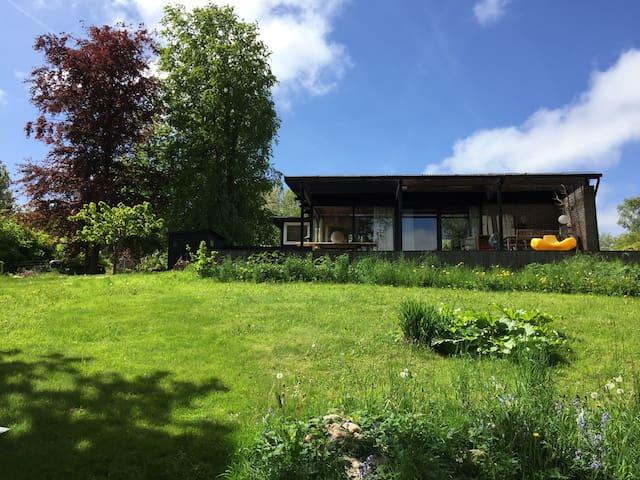 Sommerhus ved marker og sø - Grevinge