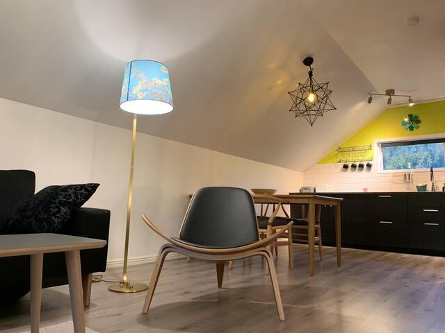 Living room/reading corner