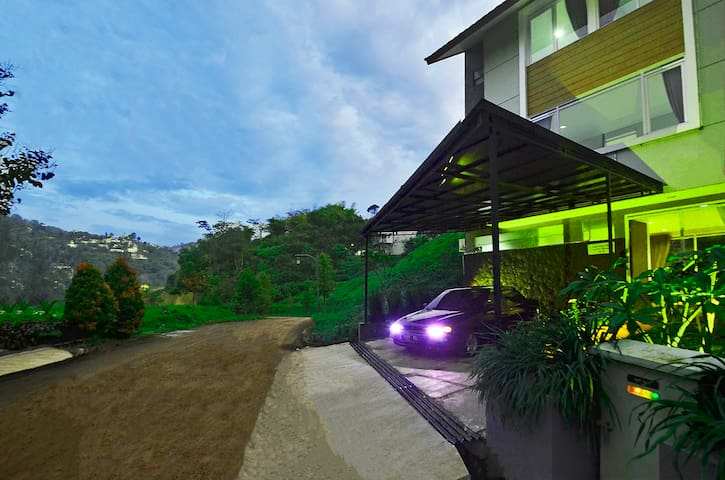 Sewa Villa Dago Bandung (Amethyst M-18)