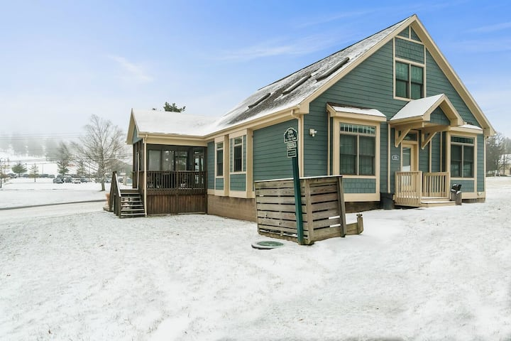 Lake Access Home w/Hot Tub & Fire Pit Close To Wisp Ski Resort!