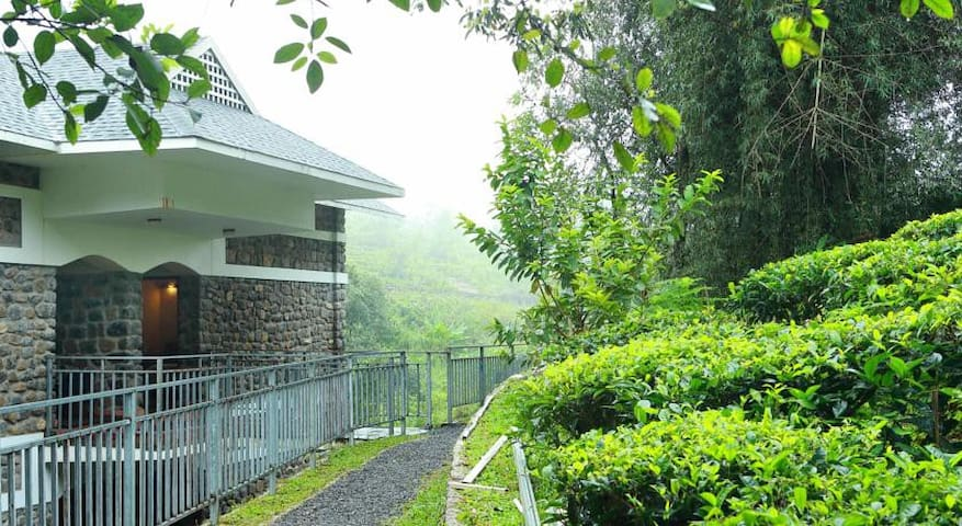 The Reverie at Misty Mountain Plantation Resort - Idukki - Hotel butik