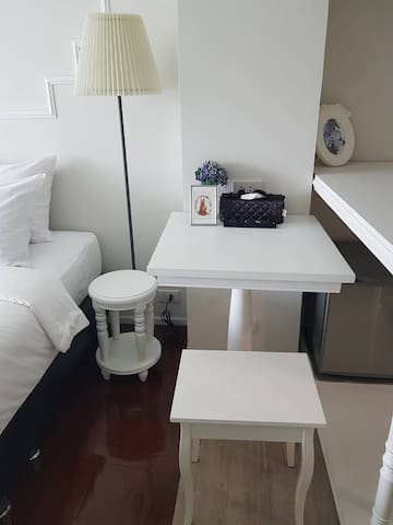 Working space in room, Free Wi-Fi, charging plug