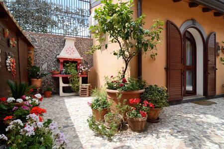 villa liliya ,near Taormina 2 - Calatabiano - Bed & Breakfast