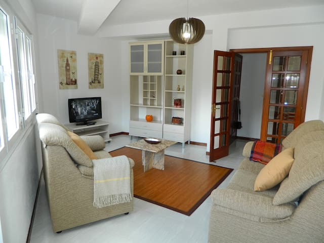 Flat 1,5km from Carnota Beach