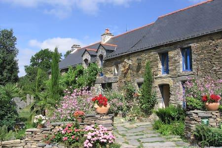 Chambres d'hôtes Charme et Ecologie - La Gacilly - ที่พักพร้อมอาหารเช้า